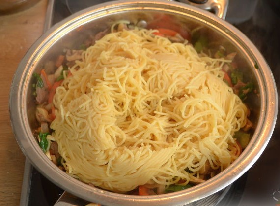 Korean Noodles Photo 12