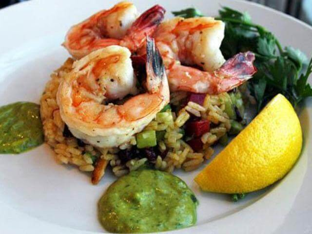 Curry-Mustard Rice Salad with Shrimps and Avocado Sauce Photo 1