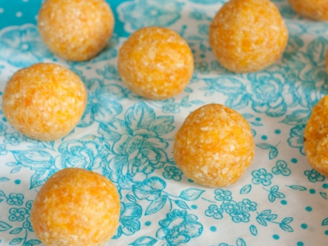 Vegan Apricot Truffles Photo 1