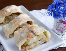 Strudel Recipe with Rhubarb and Raisins