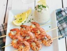 "Grilled Shrimps under the ""Blue Cheese"" Sauce"