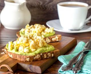 step 4 Toasts with Avocado and Scrambled Eggs