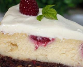 Raspberry Cheesecake with White Chocolate