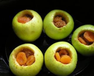 stewed apples in a crock pot
