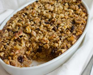 Baked Oatmeal with Apples, Raisins & Walnuts