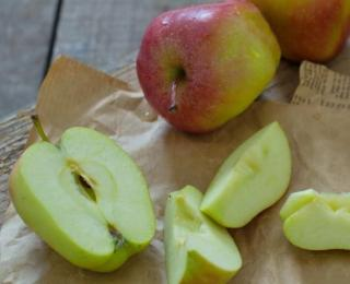 2 The Simpliest Healthy Apple Pie with Oat-flakes