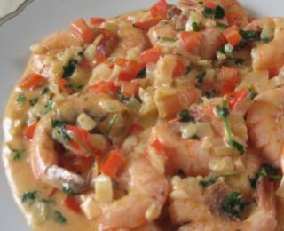 flambe shrimps in the cream sauce