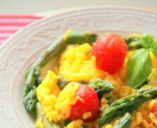 risotto with saffron, green asparagus and cherry tomatoes