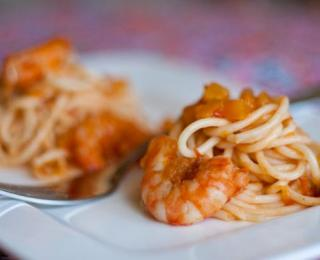 Spaghetti with Pumpkin, Shrimps and Sun-Dried Tomatoes