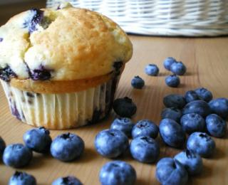 Blueberry Muffins with White Chocolate and Poppy Seeds