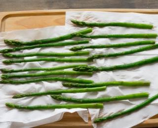 warm salad with asparagus