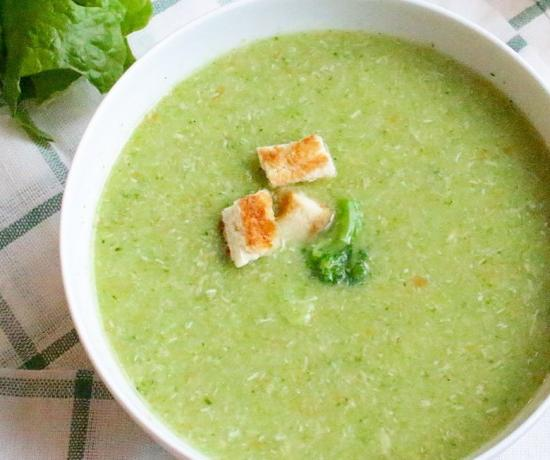 Slow Cooker Soup with Turkey and Broccoli
