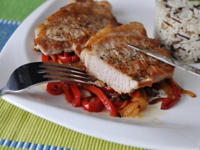 Pork Chop with Sweet and Sour Bell Pepper