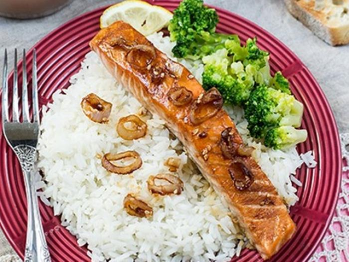 Salmon in the Maple Syrup with Caramelized Onion