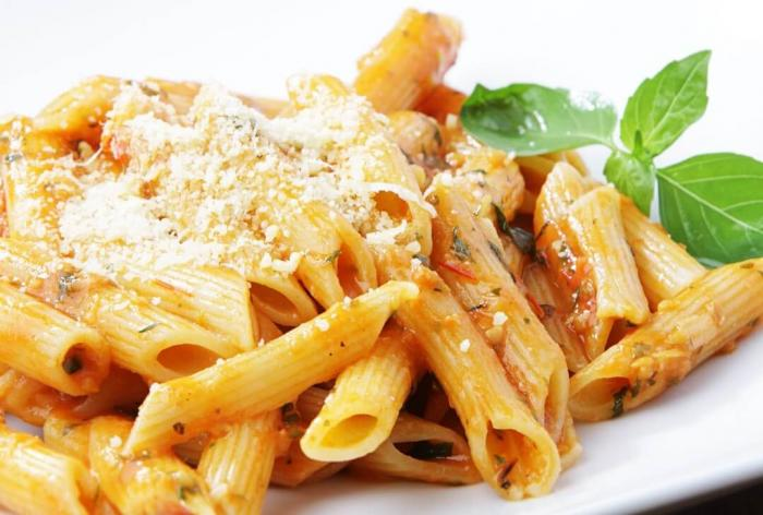 Easy Pasta with Cherry Tomato Sauce