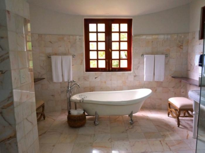 effective bathroom cleaning ideas